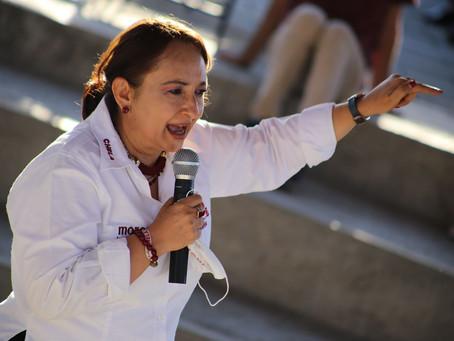 "Maestra Chela Andrade da catedra a contrincantes en Debate ""Yo Quiero Saber"" de #CbTelevisión"
