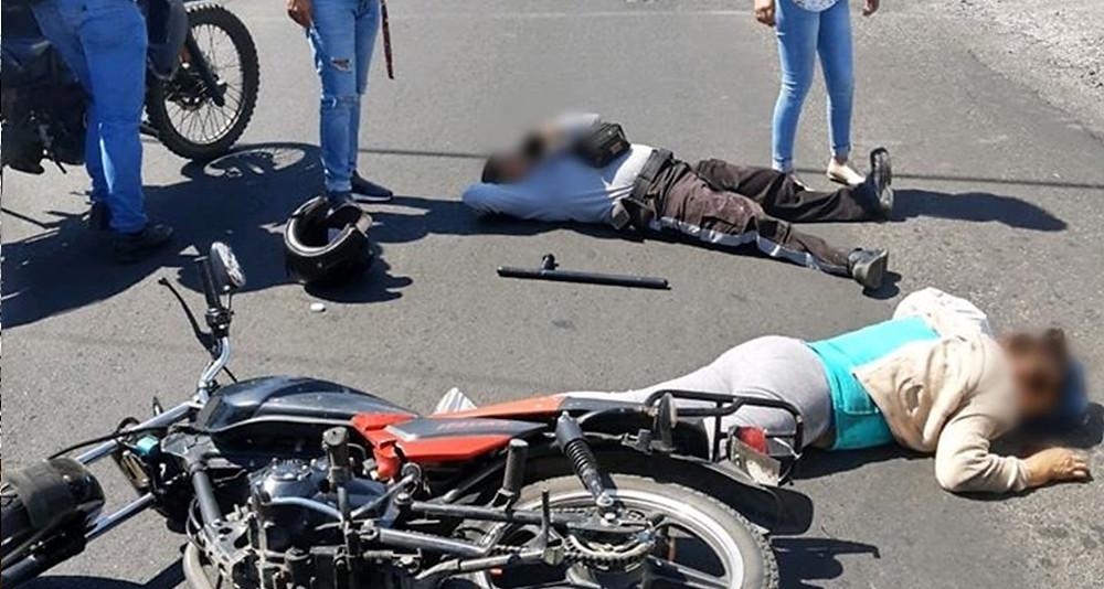 #Morelia: Mujer de seguridad privada atropella a señora de la tercera edad; ambas quedaron heridas