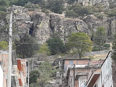 Localizan 17 bolsas con restos óseos en Acámbaro