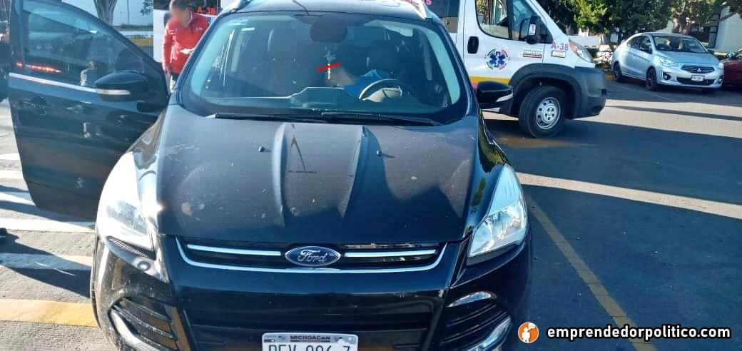 #Morelia Sicarios en moto disparan contra dos personas en estacionamiento de Superama (+Fotos+Video)