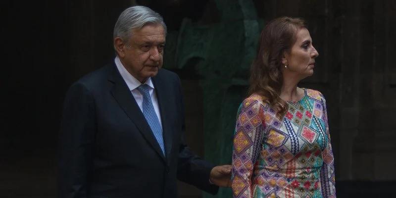 Informan que AMLO y Beatriz Gutiérrez buscarían ser marcas registradas