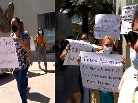 Trabajadores del IMSS de Acámbaro en paro; exigen que se les aplique la vacuna anti covid-19