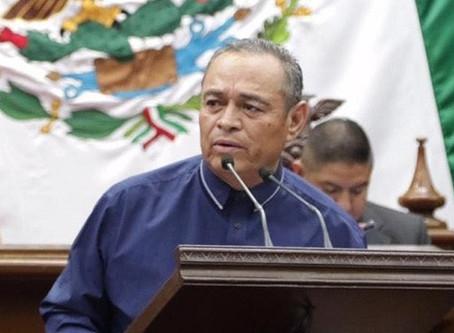 Diputado Salvador Arvizu continua hospitalizado recuperándose por el COVID-19; su salud es estable