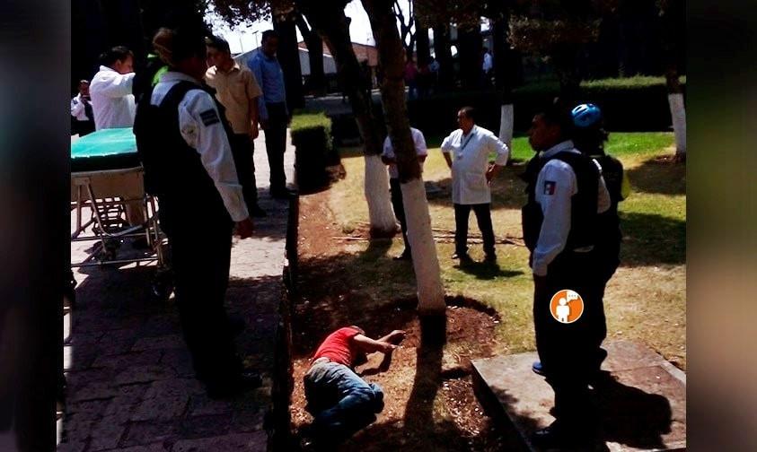 Hombre muere afuera del IMSS de Morelia tras no recibir atención