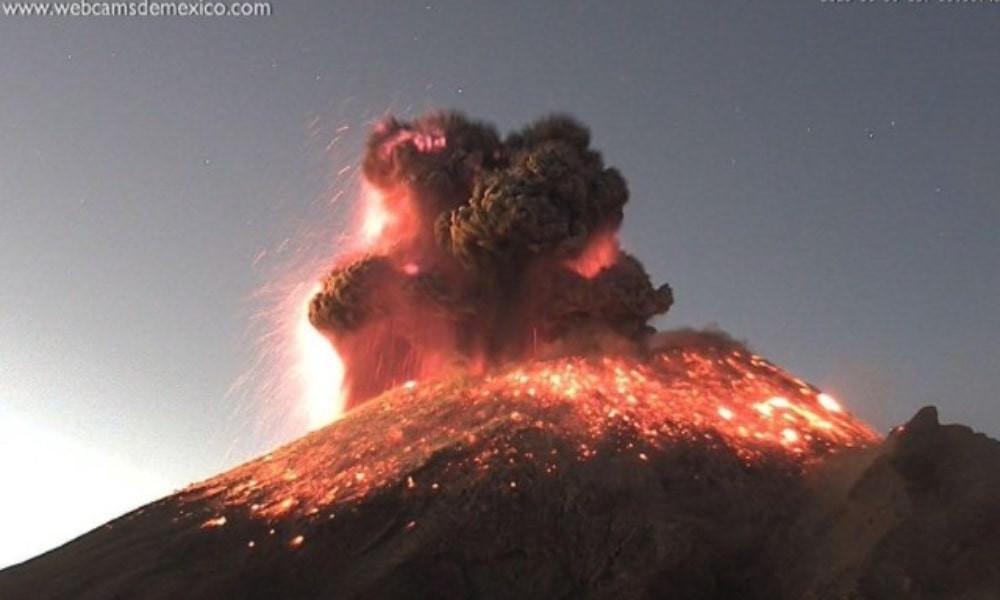 Reportan avistamiento de 'OVNI' durante explosión del Popocatépetl (+Video)