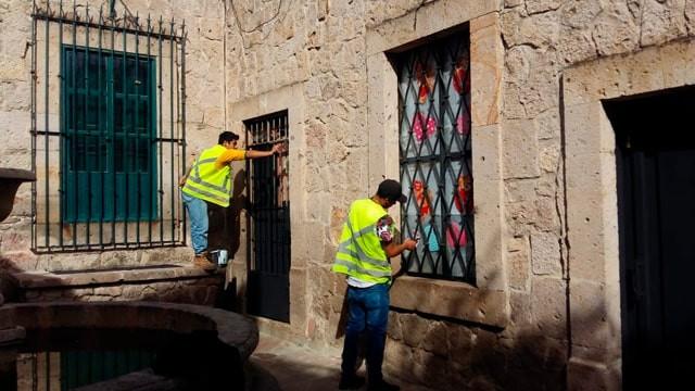 Dan mantenimiento al 'Callejón del Romance' de #Morelia; listo para San Valentín