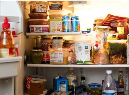 Guardar comida en envases de yogurt o crema aumenta riesgo de padecer cáncer: Profeco