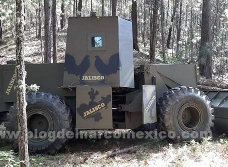 ¿Tractor blindado? Sus dueños lo buscan; la disputa del narcovirus en Michoacán