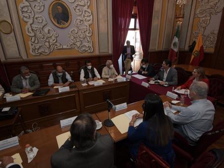 Retoma Alfonso Martínez proyecto de construcción de parque agroindustrial