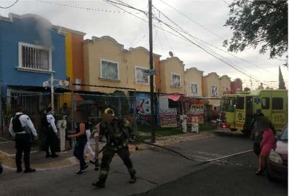 Se incendia casa en Villas de la Loma, Morelia; por fortuna solo fueron daños materiales