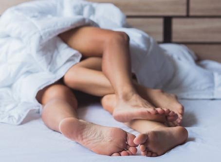 ¿Te animas? Empresa pagará a parejas para que tengan sexo en varias marcas de colchones