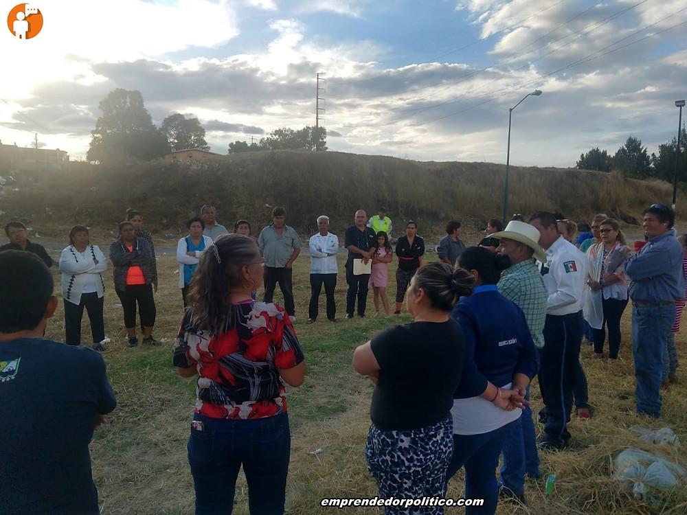 Diputado con elementos de tránsito, atienden reportes de vehículos robados en colonia de Morelia