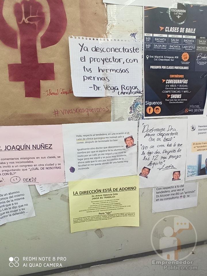 Con pancartas sobre periódico mural de Medicina, estudiantes denuncian acoso por profes y doctores