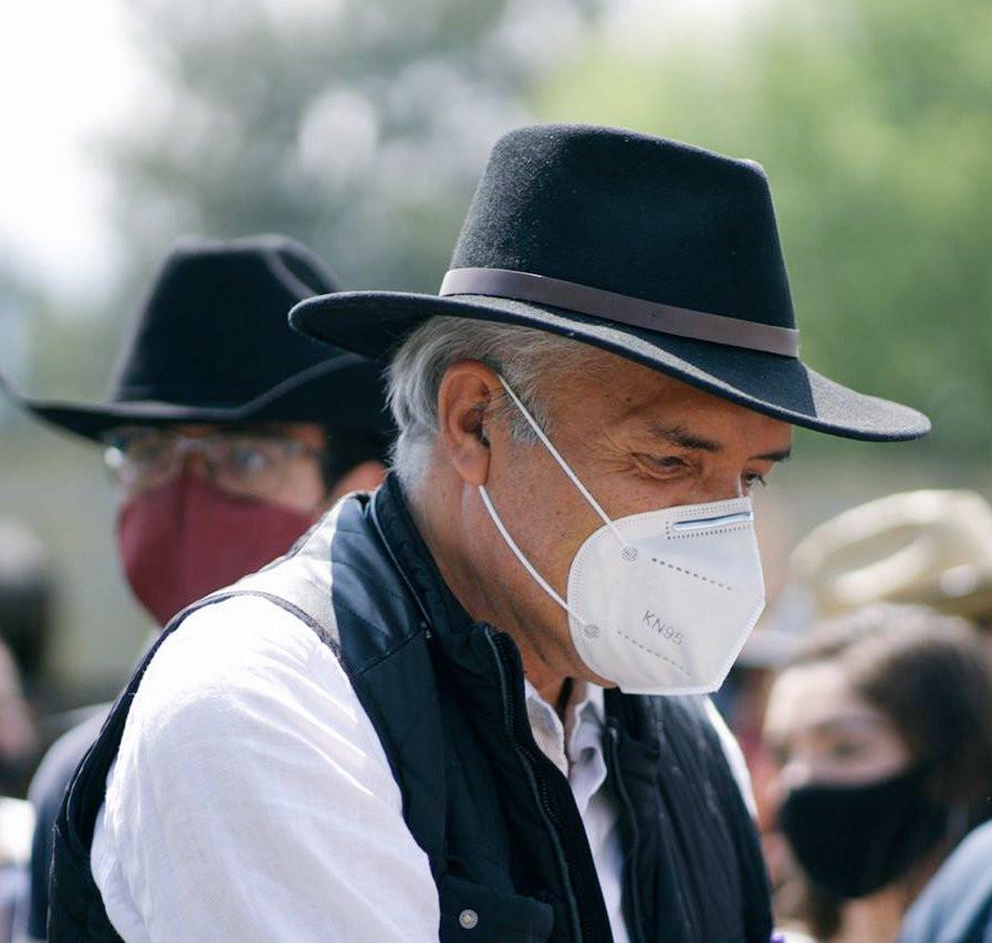 Desmienten muerte del Dr. Mireles; sigue luchando contra el COVID-19