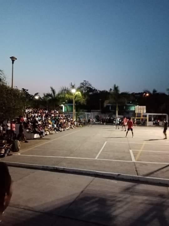 Lázaro Cárdenas el epicentro del COVID-19 en Michoacán y donde la gente sale a la calle como si nada