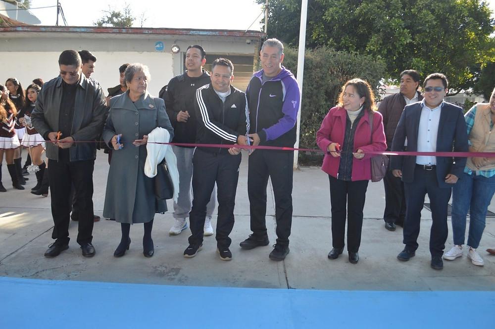 Inauguran rehabilitación de cancha de basquetbol de la Secundaria Técnica 6 de Acámbaro