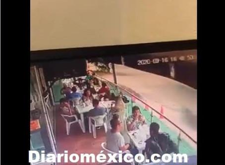 De certero balazo hombre armado asesina a comensal en Restaurante de Leon; Guanajuato (+Video)