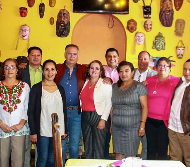 Diputados federales de MORENA se reunen con el Delegado regional del IMSS Michoacán