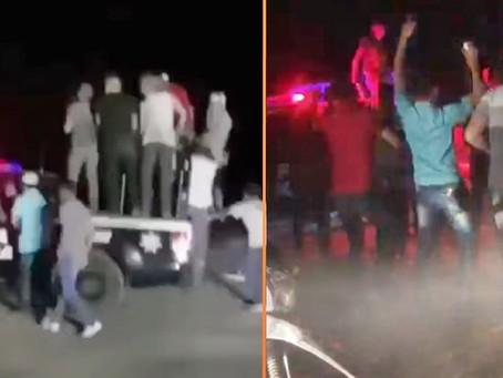 """#Michoacán: se alocaron en la fiesta con """"patrullas"""" para arrancones y antro al aire libre (Videos)"""