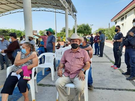 Hipólito Mora ya se vacunó contra el COVID-19; así compartió su experiencia