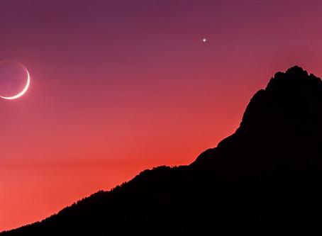 Esta noche habrá ´romance astronómico´; la Luna y Marte se ´besarán´
