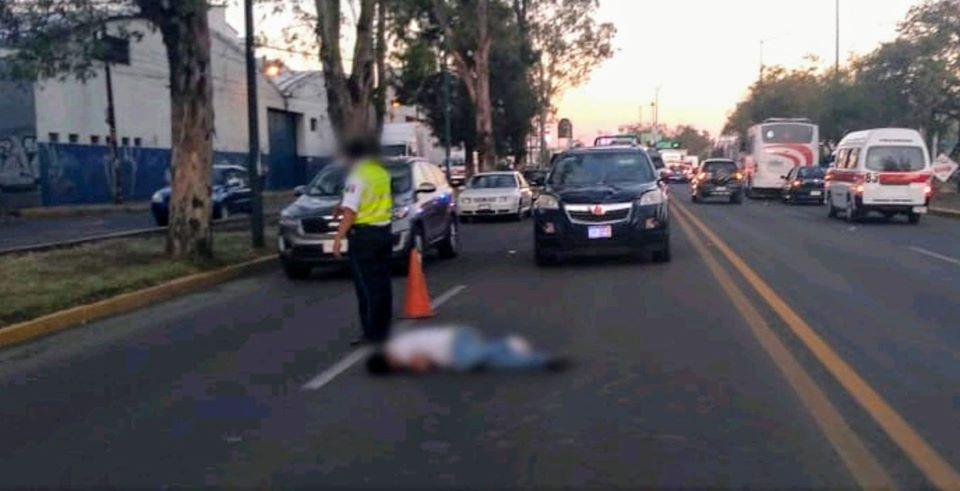 Atropellan a joven de 25 años en Av. Madero de #Morelia; el vehículo escapó del lugar