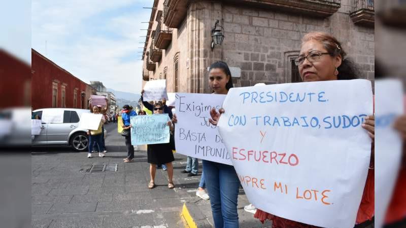 Protestan contra Raúl Morón