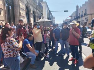 Diputado Salvador Arvizu atiende peticiones de operadores de Juegos Mecánicos del estado