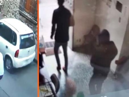 Morelia: En un taxi, ladrones asaltan una financiera ubicada en pleno Centro Histórico