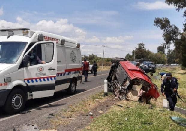 Fatal domingo para dos familias michoacanas; 3 muertos y 2 heridos en choque en Indaparapeo