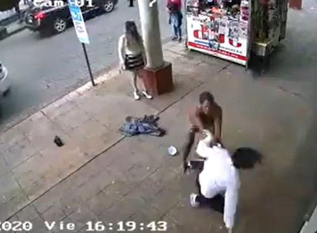#Uruapan: Mujer agresiva golpea a una mujer y termina peleando con un hombre (+Video)