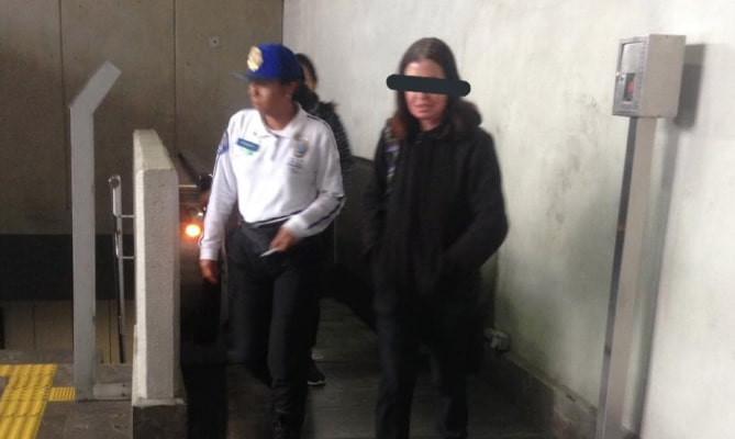 #NoEsBroma: Mujer manosea en la Línea 12 del Metro a un joven; la detienen