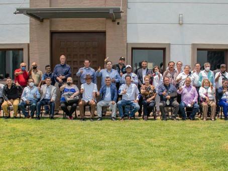 Líderes empresariales y sociales de Constantino Ruíz se unen al proyecto de Alfonso Martínez