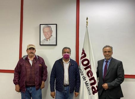 Mientras Cristobal se pelea con feministas, Raúl se reúne con actores nacionales de Morena