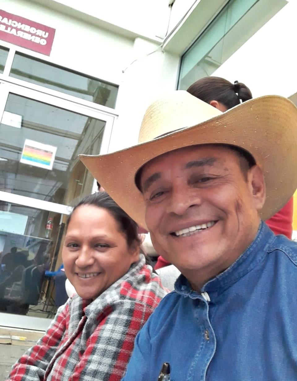 Diputado Salvador Arvizu gestiona pliegos petitorios de salud a ciudadanos