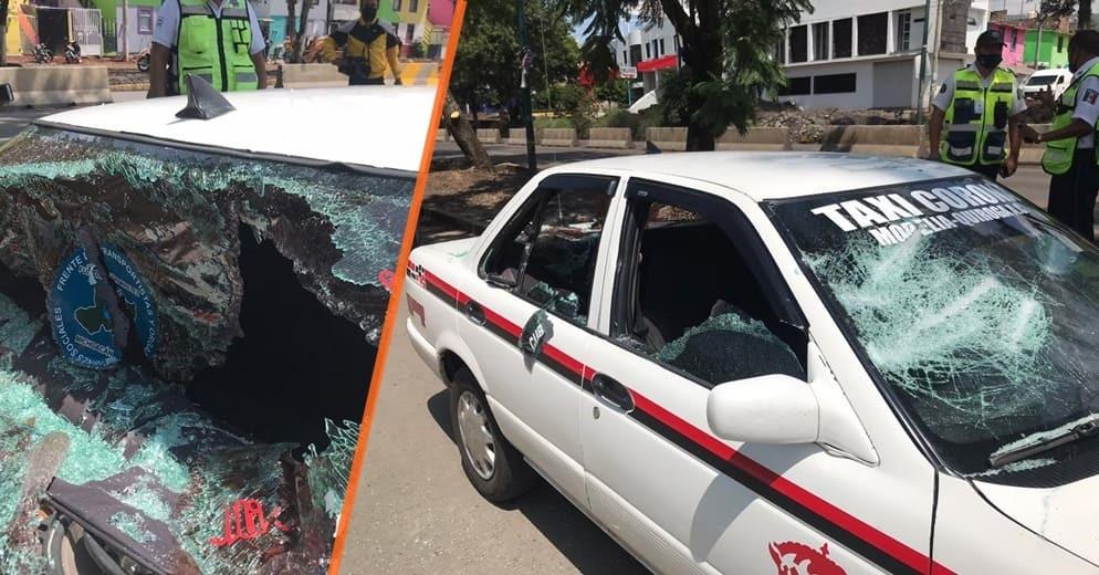 #Morelia: Sin razón aparente atacan a taxi con todo y pasajeros y roban celular