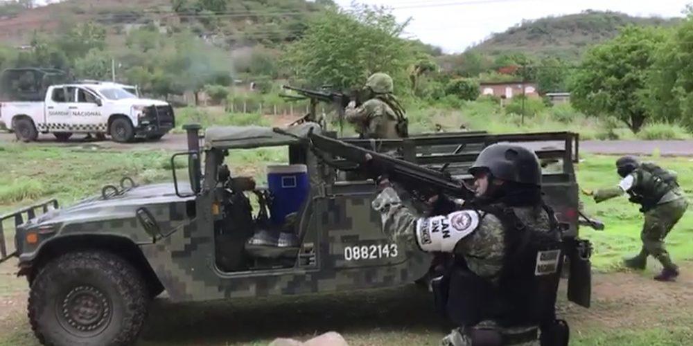 Graban tiroteo y traslado de heridos por balacera Viagras vs GN-Sedena de este viernes en Michoacán