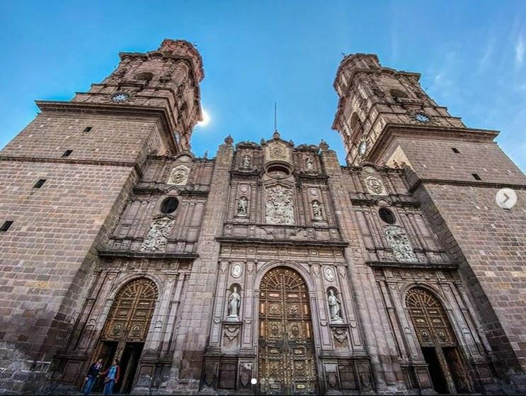Tras 91 años, Catedral de Morelia cierra sus puertas ahora por caso COVID-19