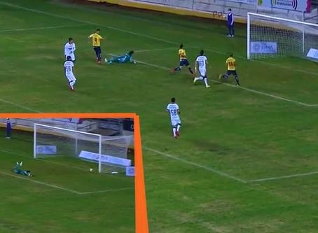 Con varias pausas en el partido por empujones, pierde como local el nuevo Atlético Morelia