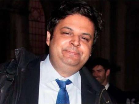 Insólito: abogado de 41 años demanda a sus papás para que lo mantengan de por vida