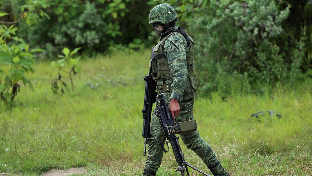 #Jalisco: Encuentran al menos 75 bolsas con restos humanos en tres fosas clandestinas