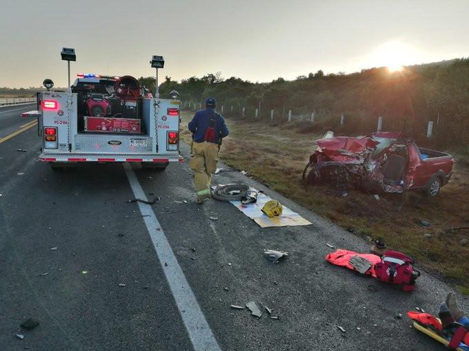Choque frontal en la Autopista Cuitzeo-Páztcuaro deja 2 muertos