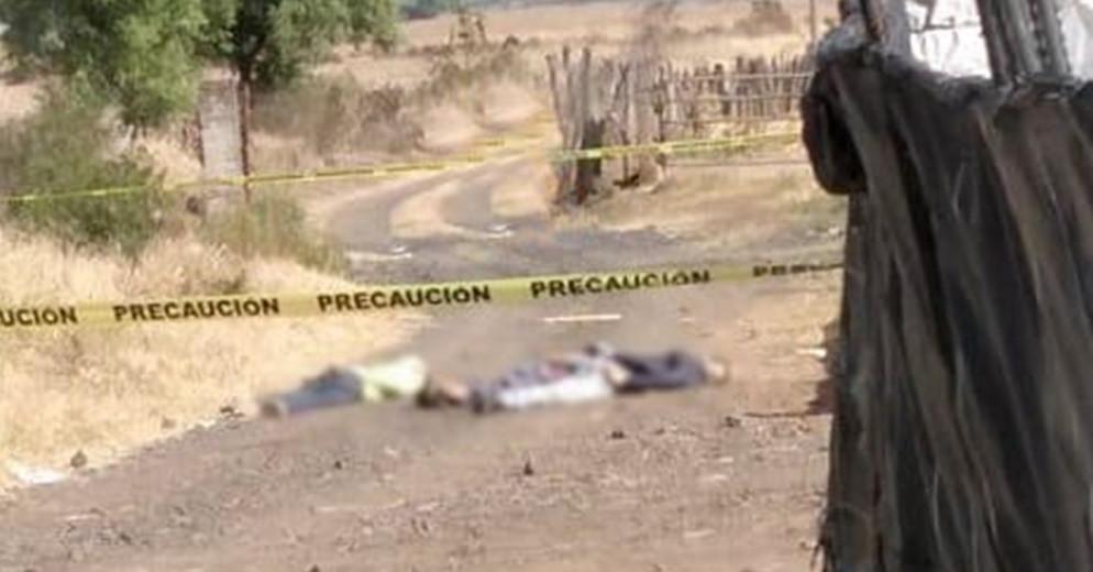 En brecha de Cotija, Michoacán, localizan a tres personas sin vida