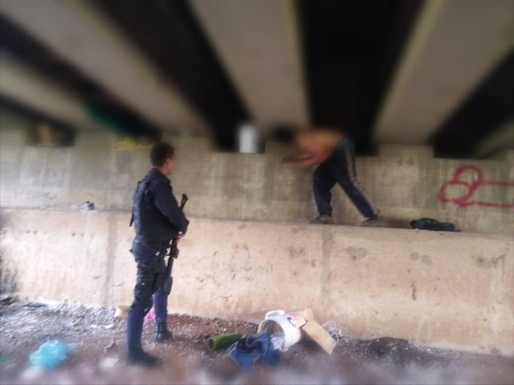 Agente de la Policía de Morelia neutralizó a hombre agresivo con disparos en el centro histórico