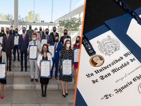 """UMSNH entrega medalla """"Dr. Ignacio Chávez"""" a 22 estudiantes destacados de posgrado"""