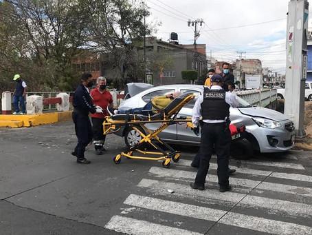 Morelia: En la Félix Ireta se registra carambola de 3 vehículos; una anciana herida