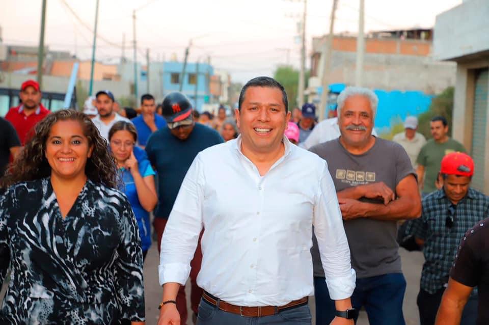 Ex funcionario de Silvano Aureoles se registra como candidato de Morena para una diputación