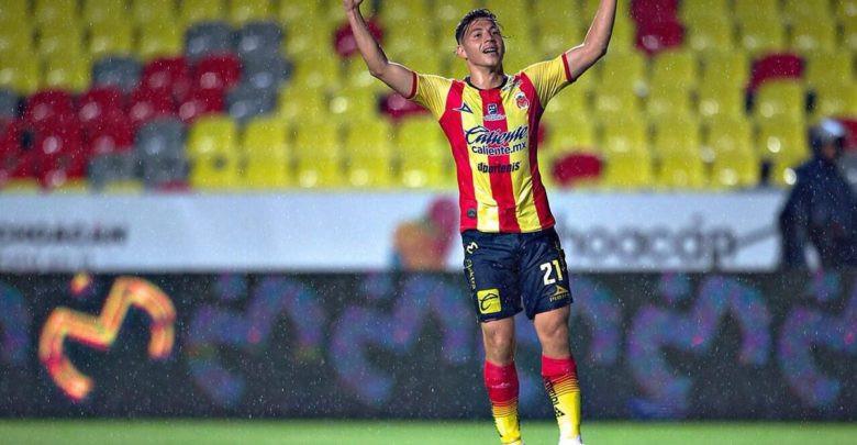 Con triplete del Paraguayo Sebastián Ferreyra, Monarcas le gana al Cruz Azul