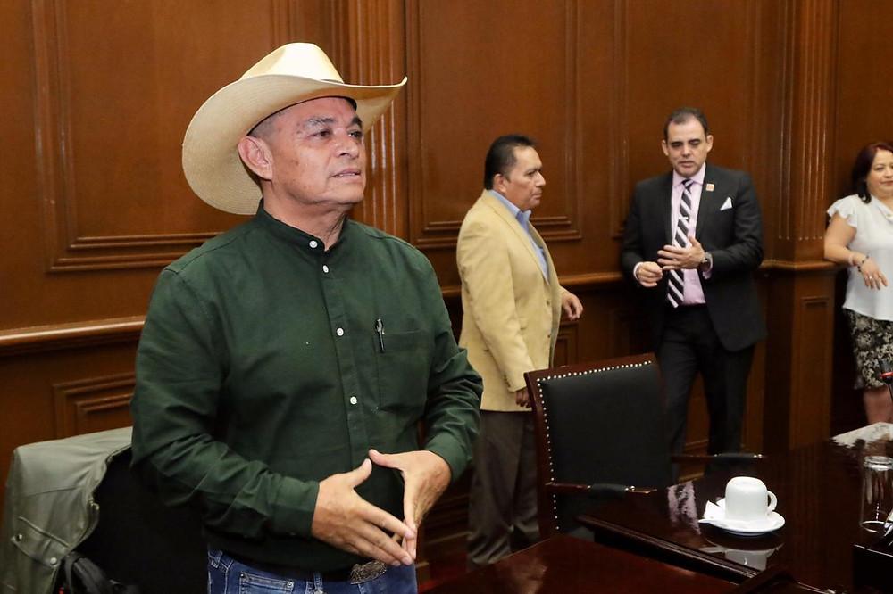 Exige Salvador Arvizu respeto para las y los diputados que llegan temprano a las sesiones