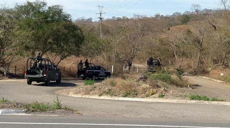 #Narcovirus |😷📣 A esto se suman bloqueos viales sobre la carretera Apatzingán – Aguililla. Anoche, en la comunidad El Rodeo, municipio de Aguililla, fueron capturados cuatro miembros del Cártel Jalisco Nueva Generación.